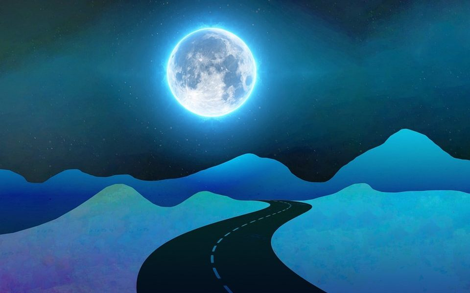 Moon-Mentum: An Intuitive & Holistic Path to Time-Management